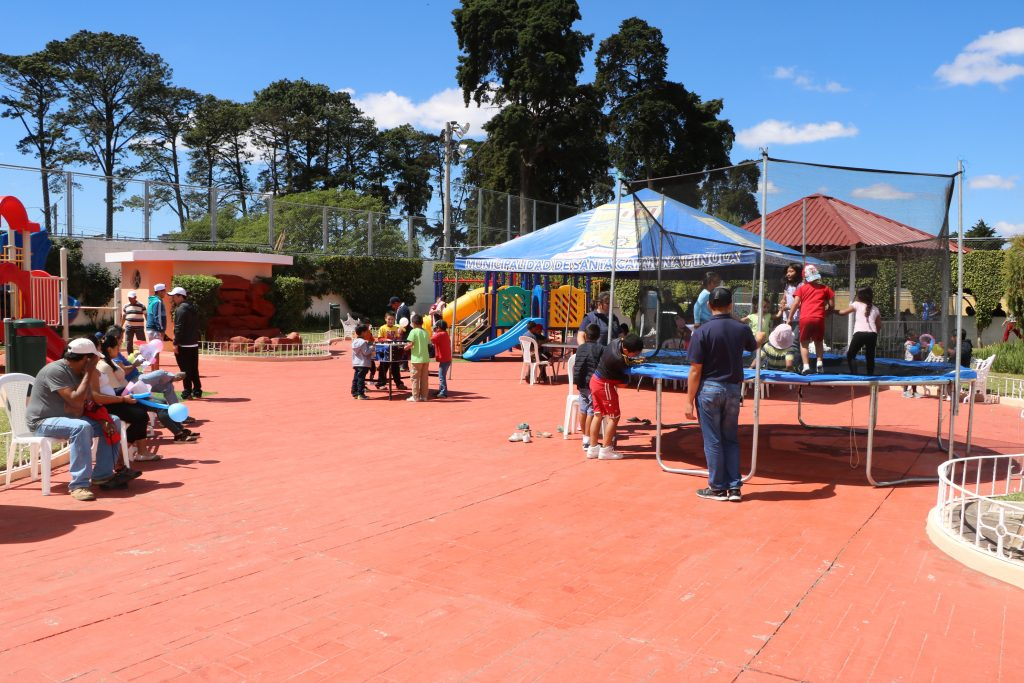 DOMINGO FAMILIAR EN CABECERA MUNICIPAL